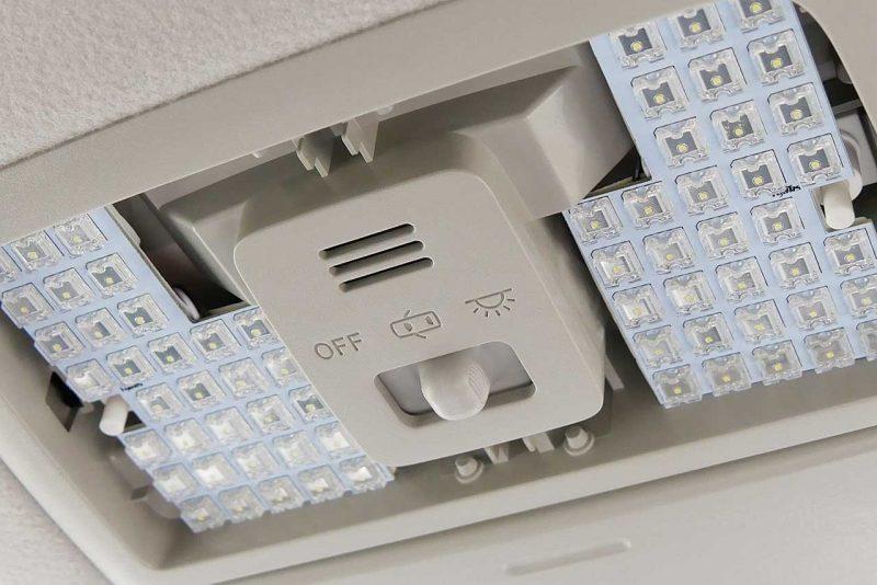 LEDルームランプへ交換完了