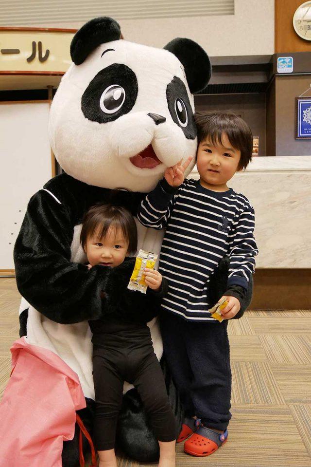 ホテルのロビーにパンダが!!