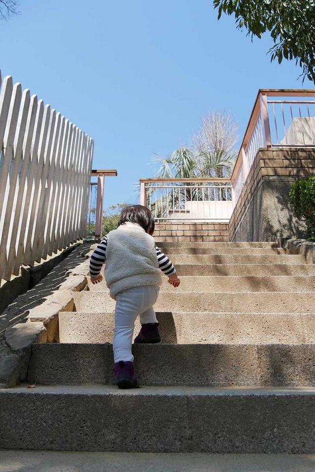 階段を上って…