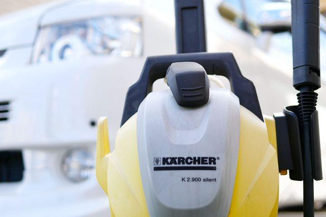 ケルヒャーの高圧洗浄機で洗車するメリットとデメリット