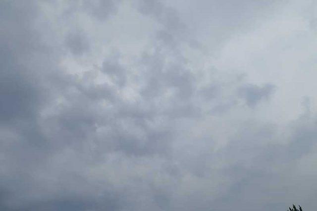 ドンヨリと曇天
