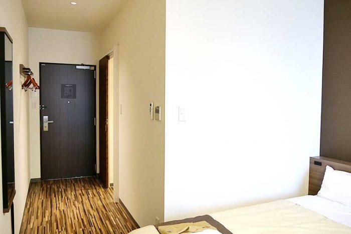 変なホテルの客室入り口