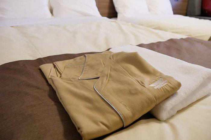パジャマとバスタオル
