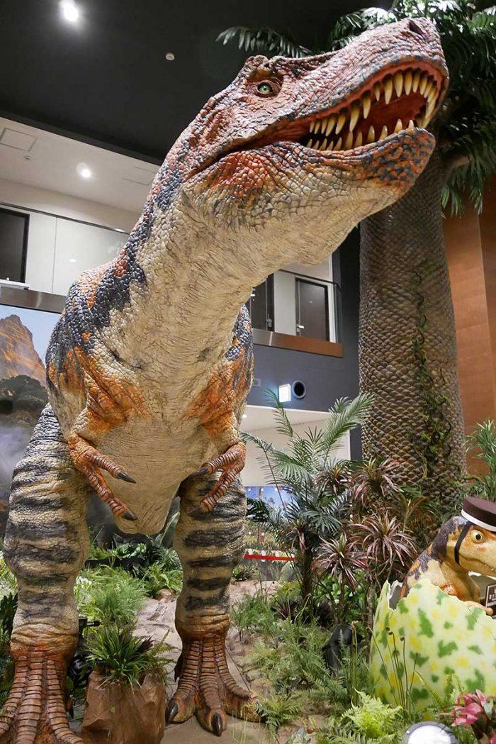 ティラノサウルスともお別れ
