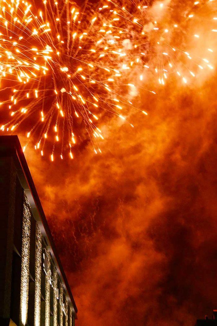 変なホテルから見るラグナシアの花火