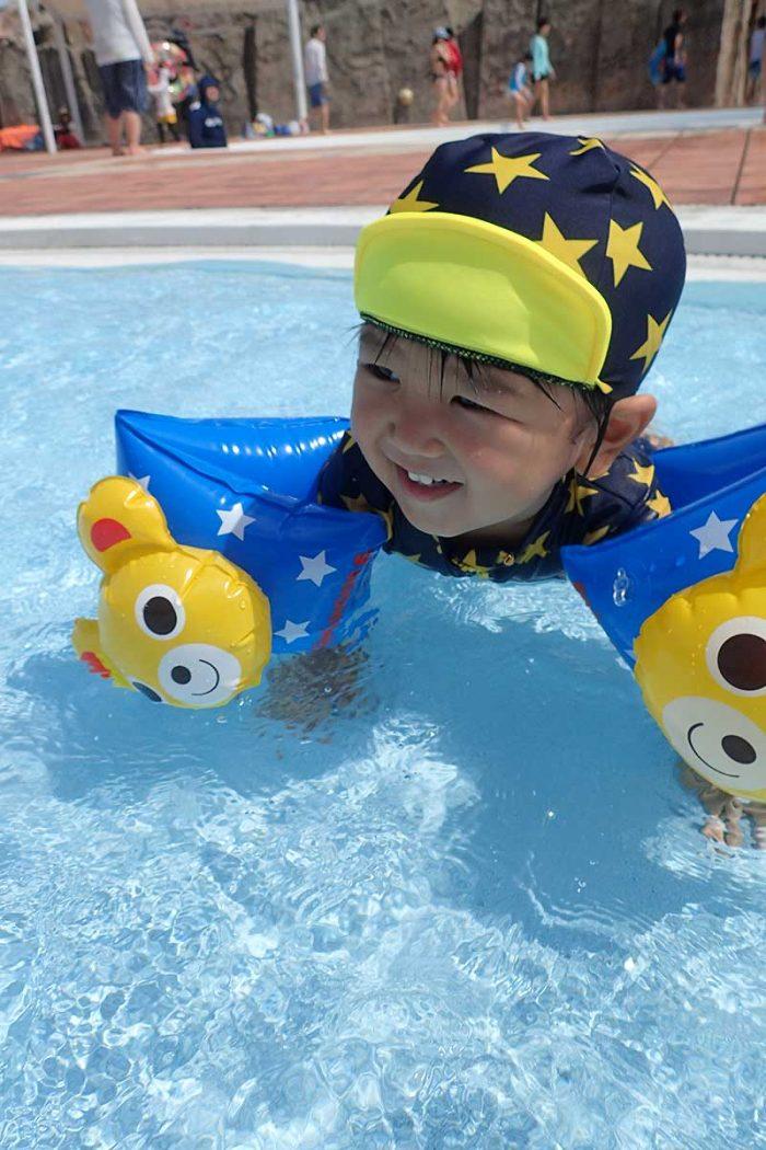幼児プールで楽しそう!!