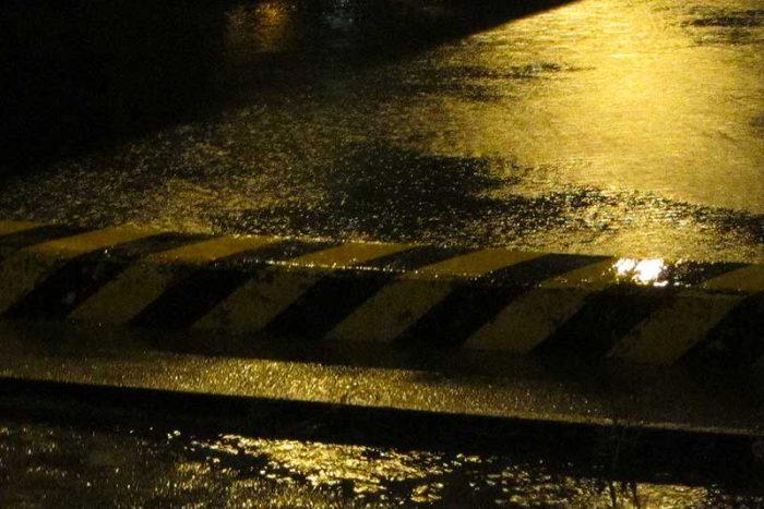 雨による増水パターン