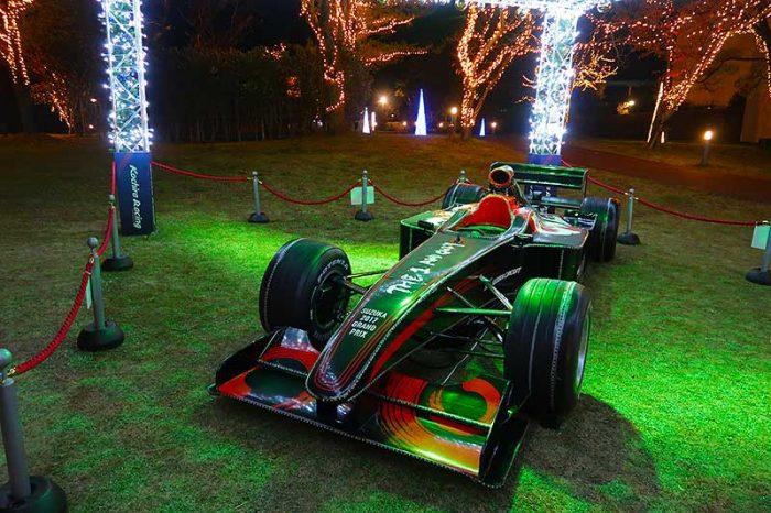 F1マシンもライトアップ