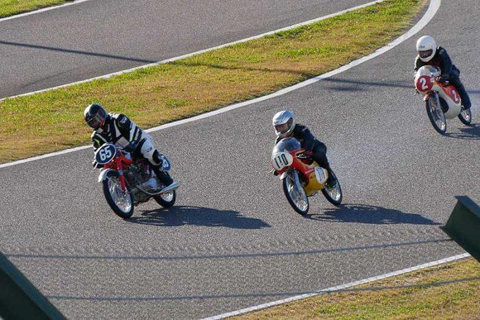 MOTORCYCLE HERITAGE デモンストレーションレース