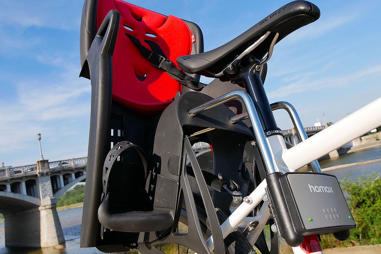 クロスバイクのチャイルドシート『HAMAX キス』の取付けと使用レビュー!!