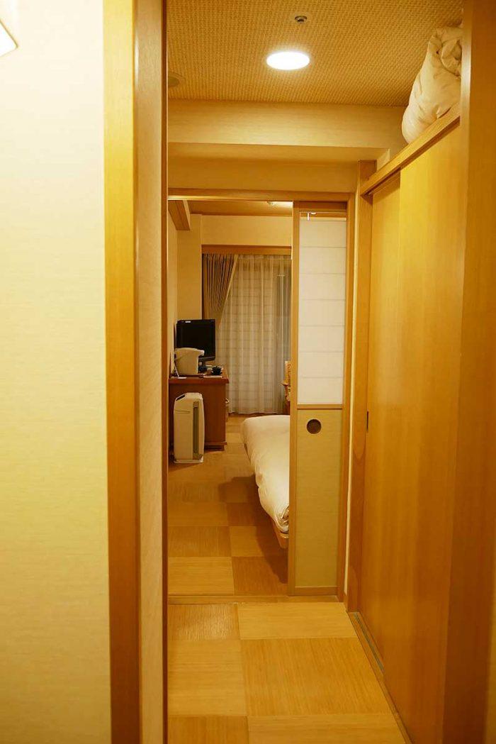 宿泊する部屋