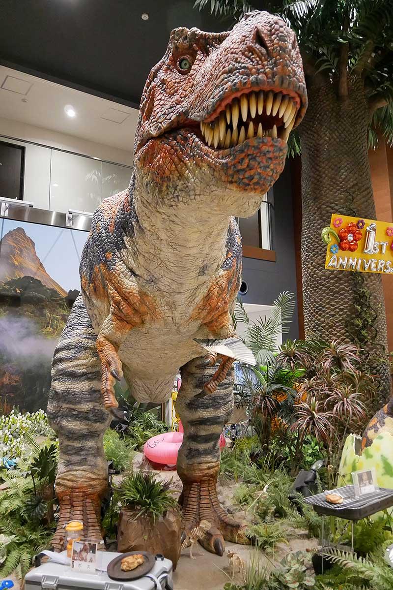 変なホテルの恐竜
