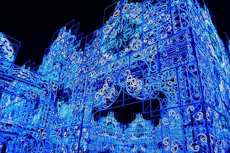 綺麗な青色