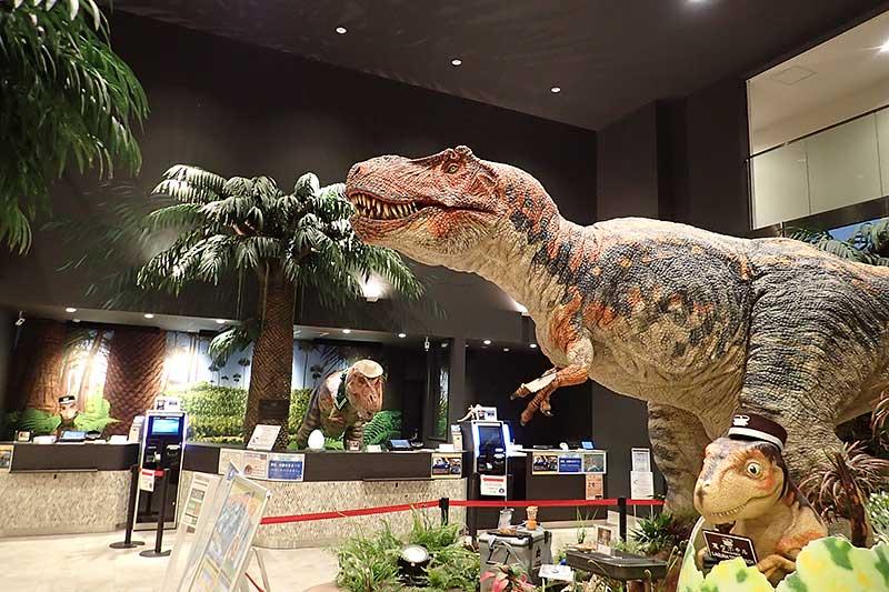 恐竜達に別れを告げて