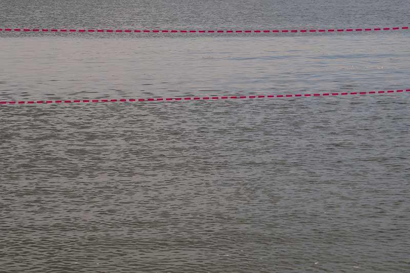 ツルンとした水面