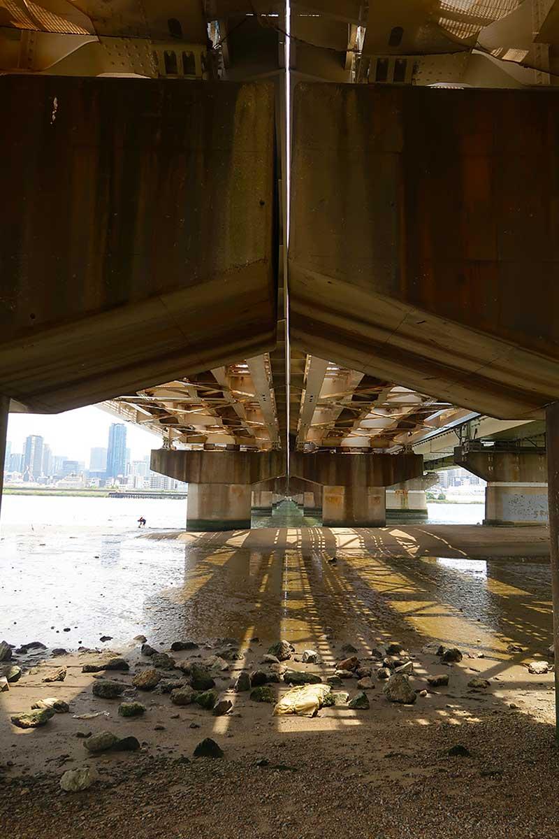 淀川を眺めながら休憩