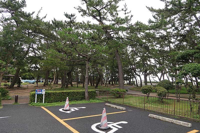 須磨水族館の駐車場