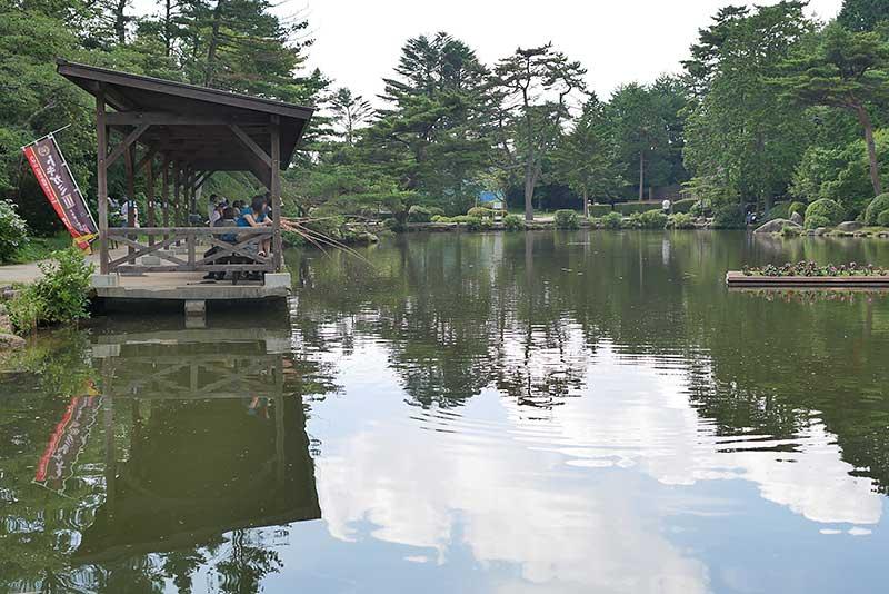 魚釣りの池