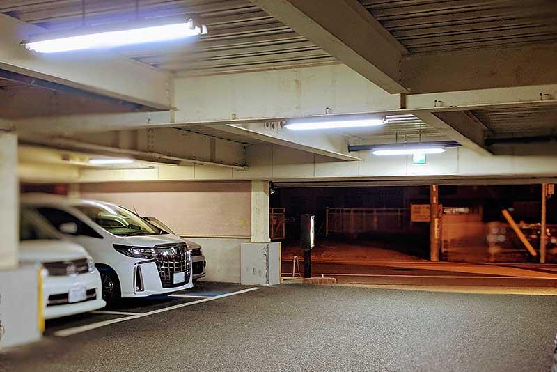 焼肉特急・西昆陽171駅の駐車場