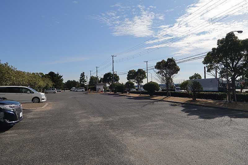 今津浜公園の駐車場