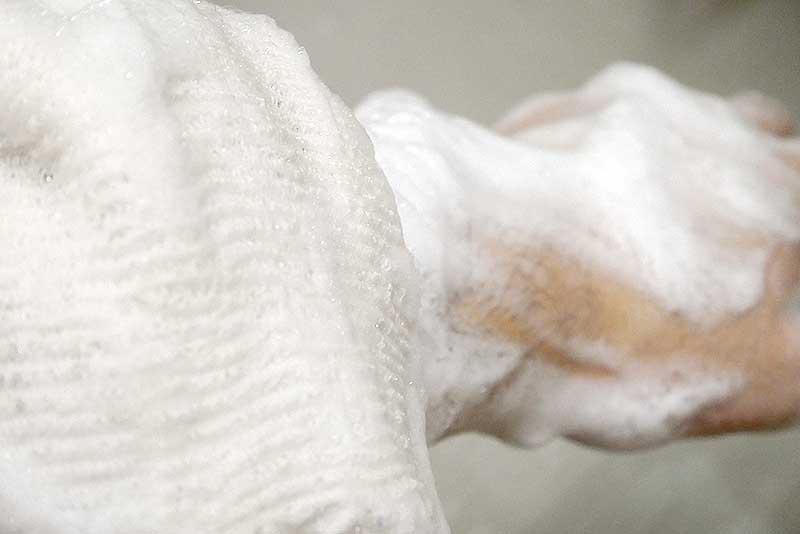 DEOCO(デオコ)で体を洗う