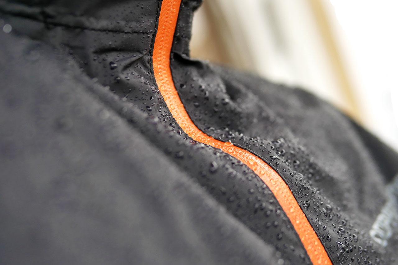 自転車の雨具はサイクルポンチョが濡れずに便利