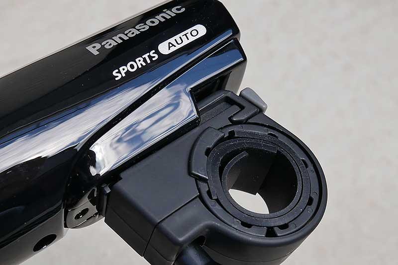 直径22mm~32mmのハンドルに対応、調整ネジで工具不要