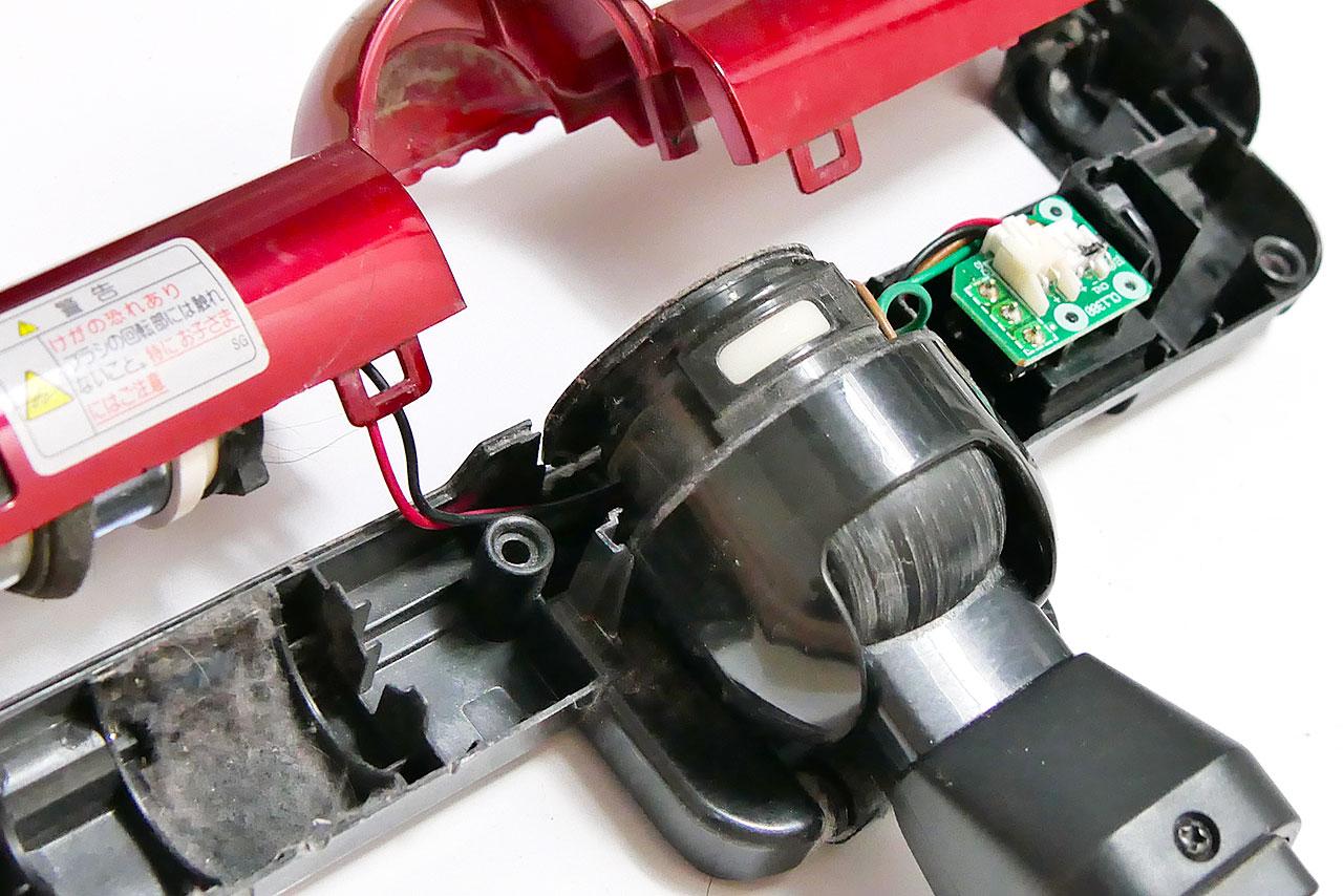 動かなくなった掃除機の自走式ヘッドを自分で修理した方法