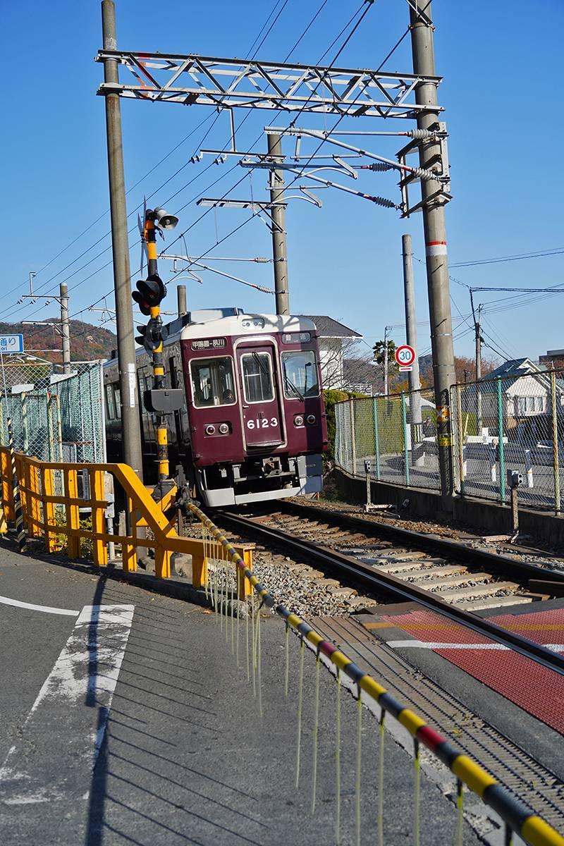 阪急電車と踏切