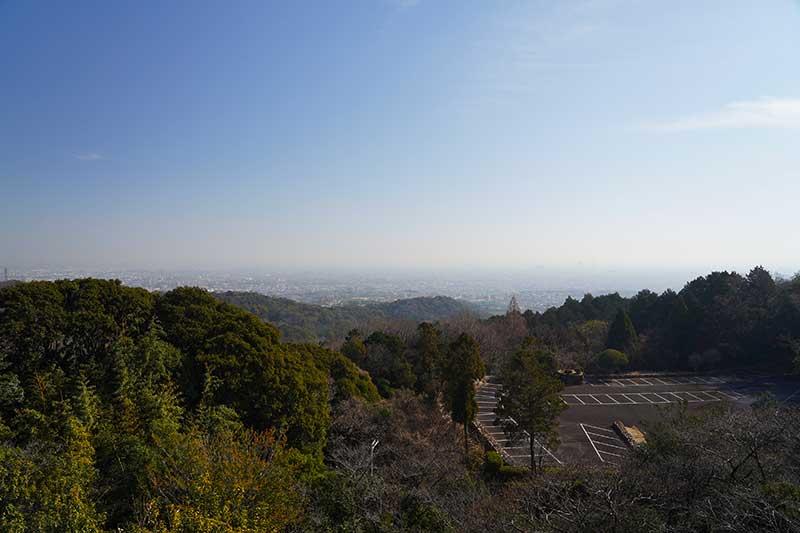 山間から見える西宮の風景