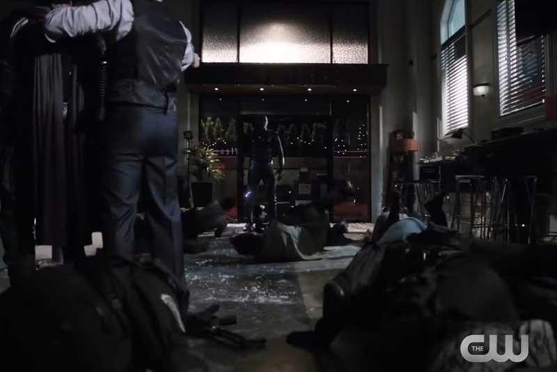 ズームの襲撃を受けた警官達
