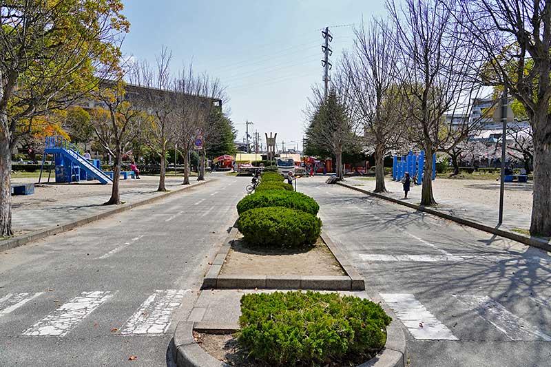 西武庫公園・交通公園の道路東側