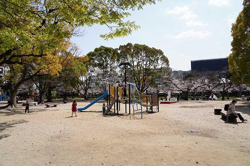 西武庫公園の遊具エリア