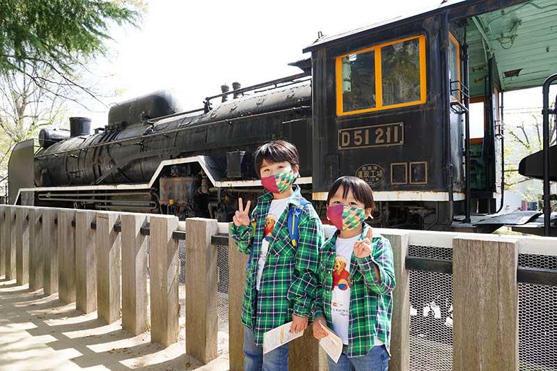 無限列車のような機関車