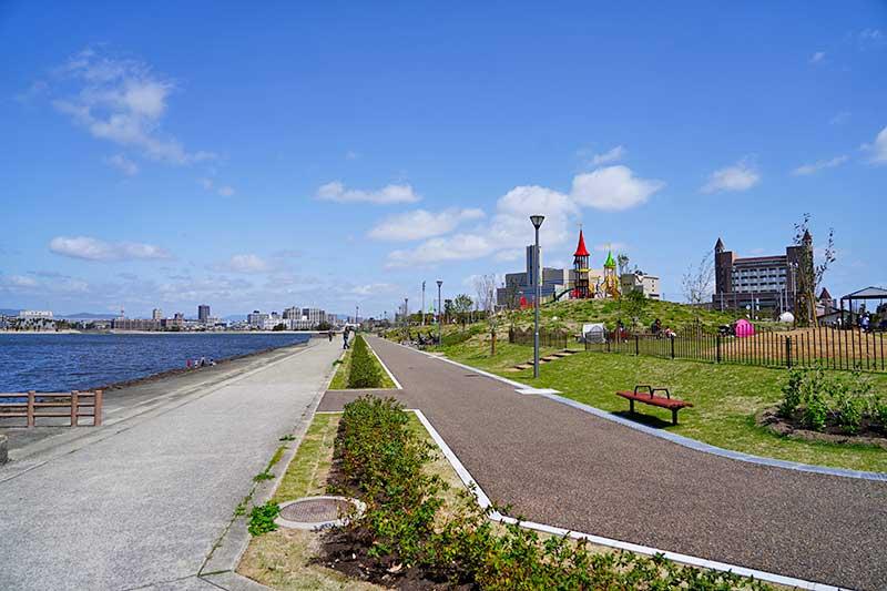 海沿いにも駐輪場があり