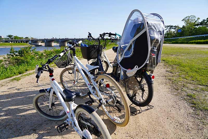 子ども用自転車と電動自転車